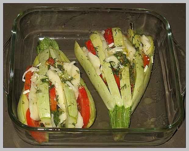 Кабачок фаршированный с помидорами в духовке рецепт