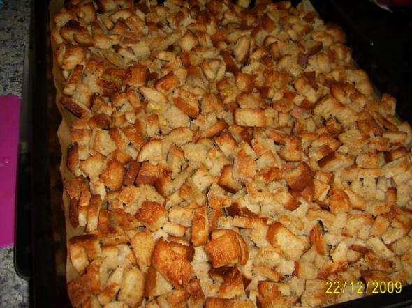 Как сделать сухарики в духовке из черного хлеба с солью в духовке